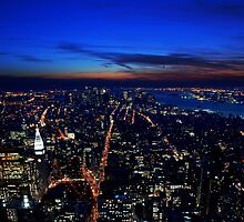 Sunset over Manhatten by simonj