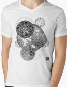 """Bioinformatic Tiled Algorithms - GREY""© Mens V-Neck T-Shirt"