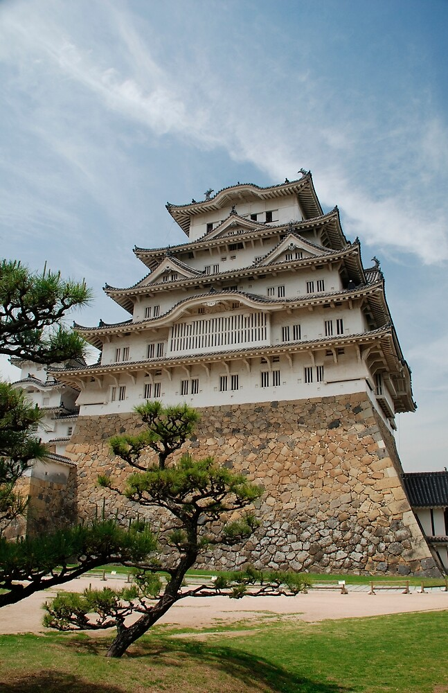 Himeji Castle With Tree, Japan by jojobob