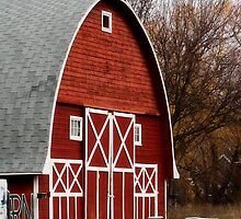 Red Barn by GesturesPhoto