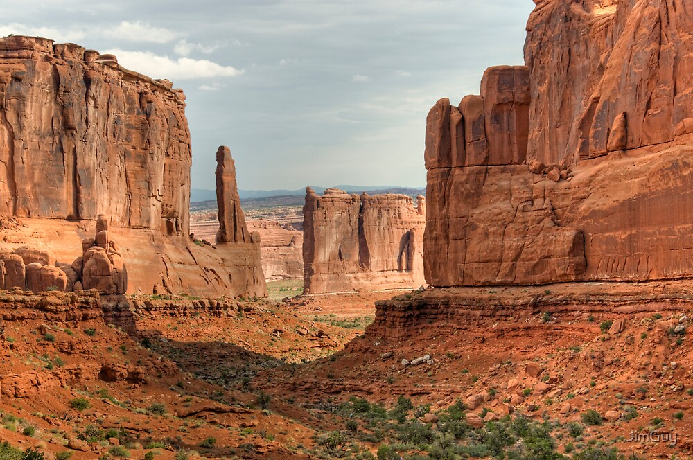 canyon at  Arch's National Park by JimGuy