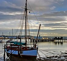 Evening at Upnor by gollum1985