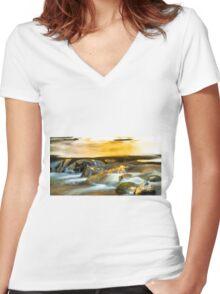 Water Cascades Women's Fitted V-Neck T-Shirt