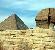 Pyramid and Sphinx at Giza by suz01