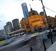 Flinders Street station in peak hour by Xavier Russo