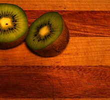 Kiwi still life 2 by Chintsala