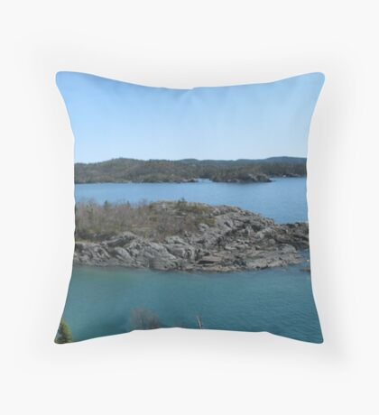 Campbells point into Lake Superior - Pukaskwa National Park Throw Pillow
