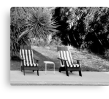 TILT SHIFT DISTORTION AND THE TWO LEGGED TABLE Canvas Print