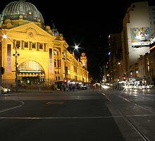 Melbourne Australia: Flinders Street Station by Claude Raiola