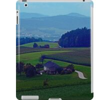 Countryside scenery in autumn | landscape photography iPad Case/Skin