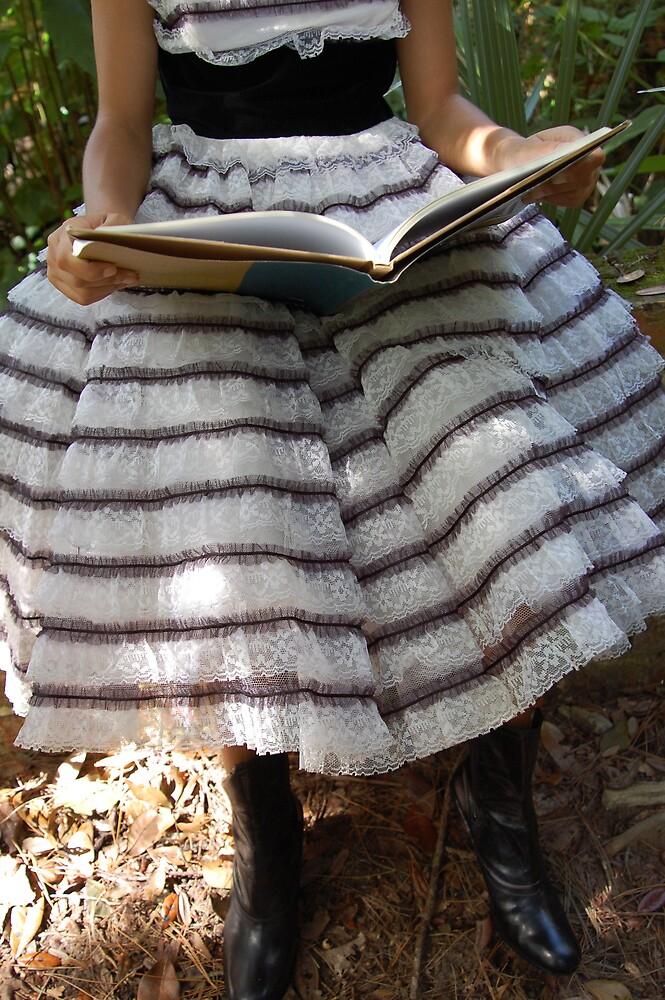 Alice in the Garden by rhiannakelly