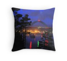 Yaquina Bay Bridge at night Throw Pillow