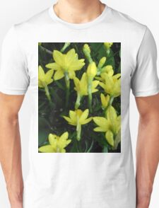Daffodils dripping wet T-Shirt