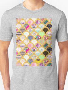 Modern Scallop Pattern Trendy Girly Gold Glitter Unisex T-Shirt
