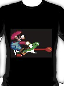 Mario punches Yoshi T-Shirt
