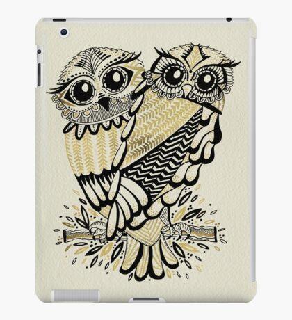 Owls – Black & Gold on Cream iPad Case/Skin