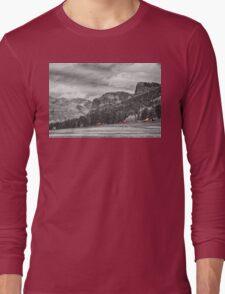 Colorado Western Landscape Red Barns Long Sleeve T-Shirt