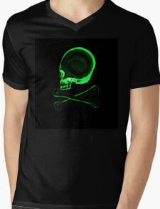 Pirate skull & crossbones in black Mens V-Neck T-Shirt