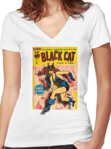 BLACK CAT ON THE PROWL - LARGE Women's Fitted V-Neck T-Shirt