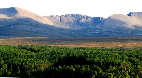 Cairngorm Mountain Range by Braedene
