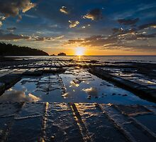 Sun Rise at Tessellated Pavements by RichardLim