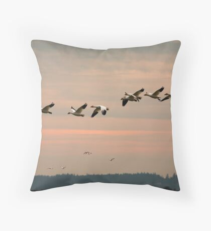 Snow Geese in the Flight Throw Pillow