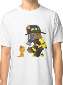 Firefighter rescues kitten Classic T-Shirt