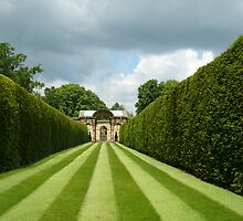 Italian Garden Hever Castle by mikebov