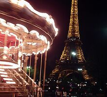Paris at night by lozbooth