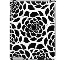 Abstract black and white modern floral pattern iPad Case/Skin