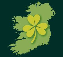 IRELAND map with a shamrock by jazzydevil