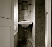 Cramped Sink by JVBurnett