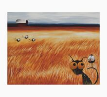 Stressie cat and the crows in the hay fields T-Shirt