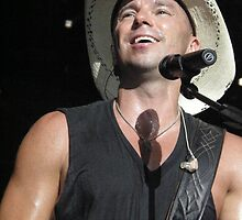 Kenny Chesney -  Baltimore 2009 by Angela Lance