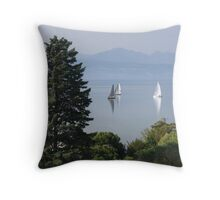 Tranquil sailing II Throw Pillow