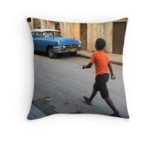 Street scene in Old Havana, Cuba Throw Pillow