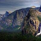 Yosemite Valley by JBoyer