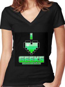 I <3 Geeks - Medic Women's Fitted V-Neck T-Shirt
