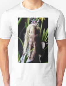 Trisha - a fairy doll´s world T-Shirt