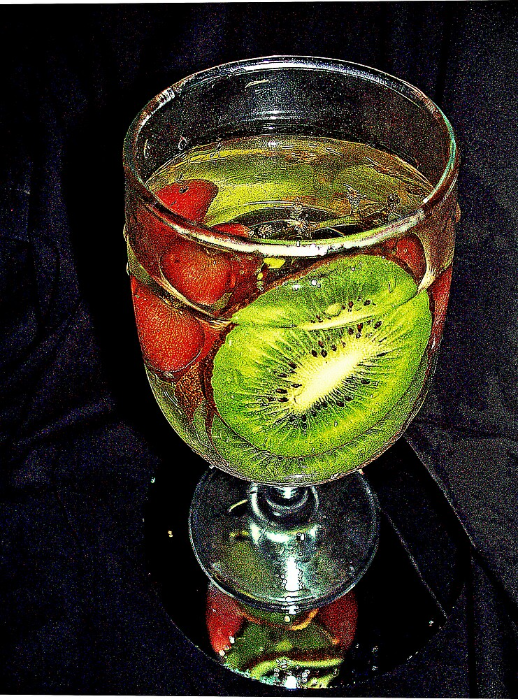 Kiwi  / Red Grapes                                                             by fiat777