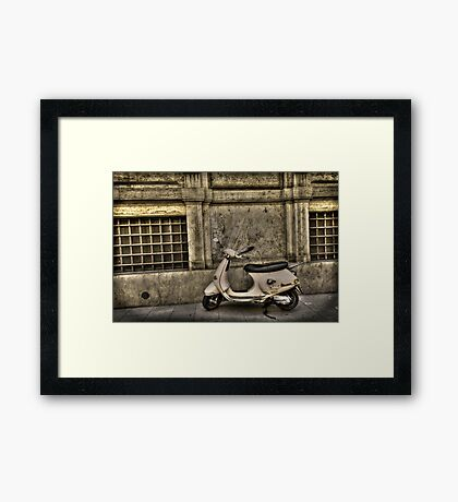 lascia corsa Framed Print
