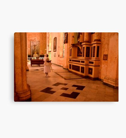 Havana - Lady in white Canvas Print