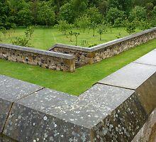 Aberdour Castle: the terrace gardens by Yonmei