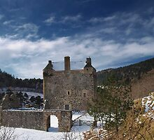 Neidpath Castle by Eddie Dowds