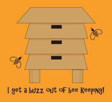 I Get A Buzz Out Of Bee Keeping Apiary Bees Design T-Shirt