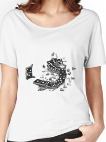 domino drinking Women's Relaxed Fit T-Shirt