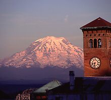 Rainier Clocktower by Christopher  Boswell