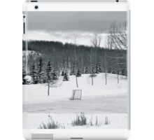 Black and White Pond Hockey iPad Case/Skin