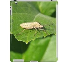 Insect on a green leaf iPad Case/Skin