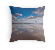 Waves wash over the Saunton Sands mirror Throw Pillow